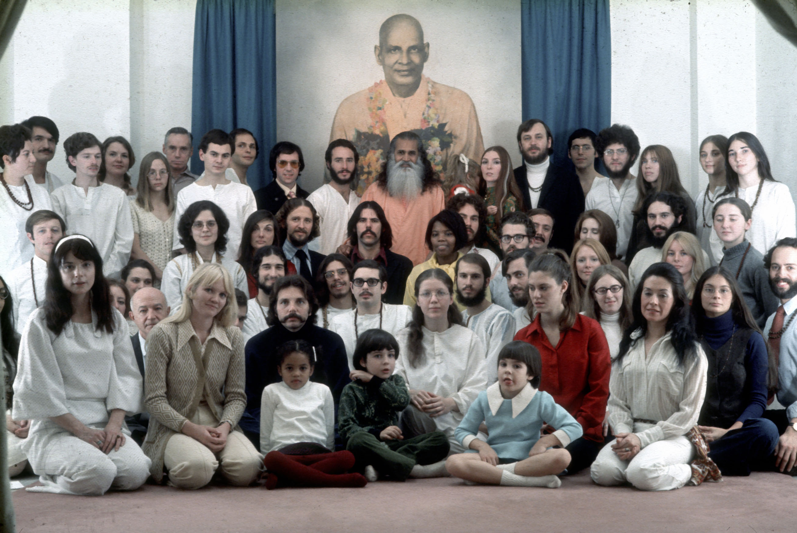 First students of the Integral Yoga Institute of New York (Peter Max just in front of Swami Satchidananda)